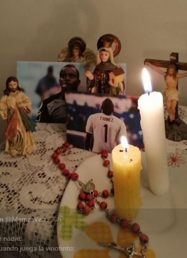Muchos venezolanos prendieron velas antes del compromiso