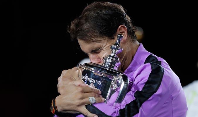 El de Manacor abrazado al título/ Foto AP