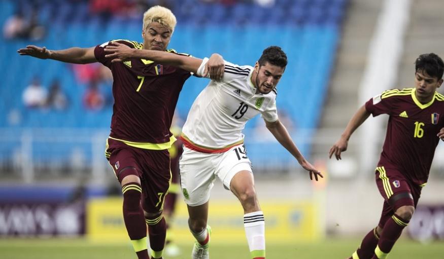 Peñaranda colaboró en defens /Foto FIFA
