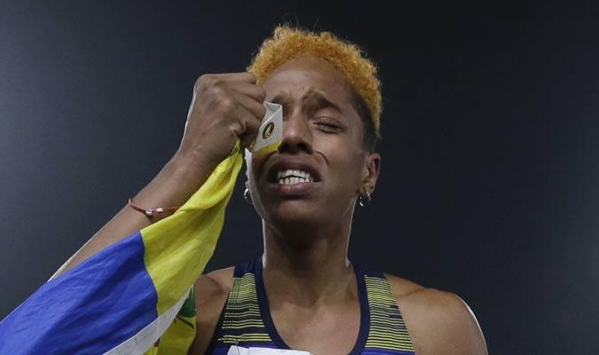 La atleta lloró de felicidad / Foto: AP