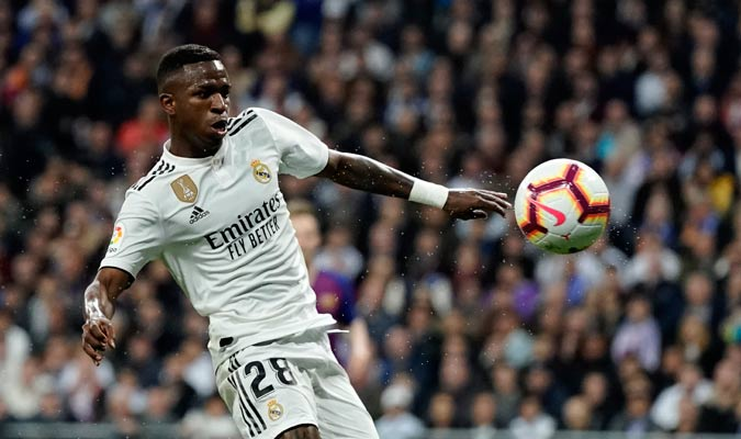 Vinicius fue una de las pocas buenas noticias del Madrid en el partido/ Foto AP