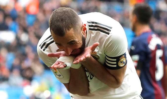 Dedicó su gol || Foto: EFE