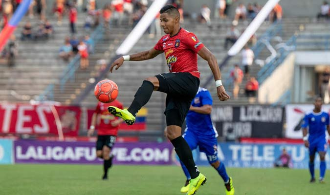 Celis fue expulsado del partido / Foto: Caracas FC