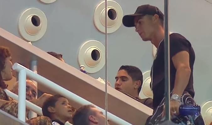 Cristiano vio el juego desde las gradas