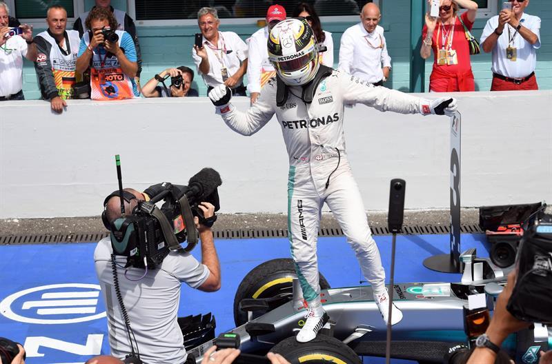 Hamilton agrandó la brecha con su compañero Nico Rosberg/ Foto: EFE