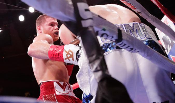 Álvarez dominó la pelea en todo momento/ Foto AP