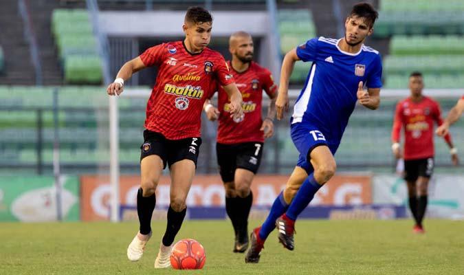 Fereira es indiscutible en el costado derecho / Foto: Caracas FC