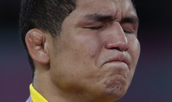 Luis Avendaño en lucha / Foto: AP