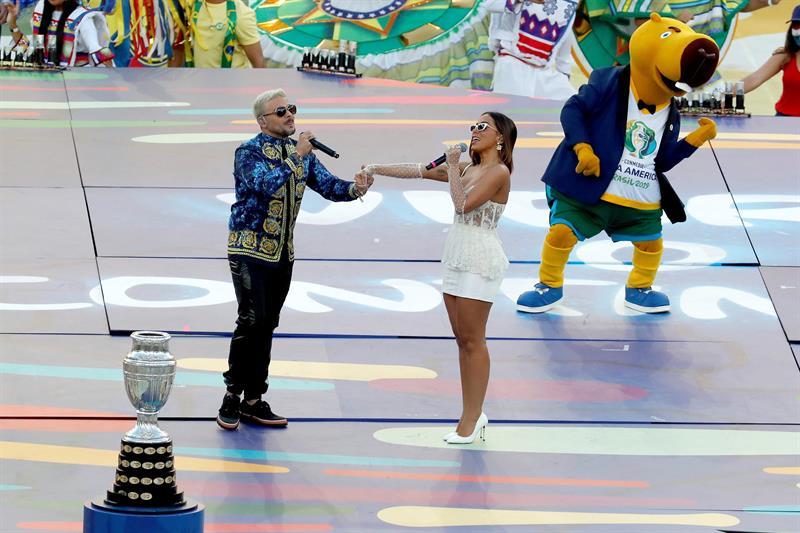 Anitta cantó ante su público