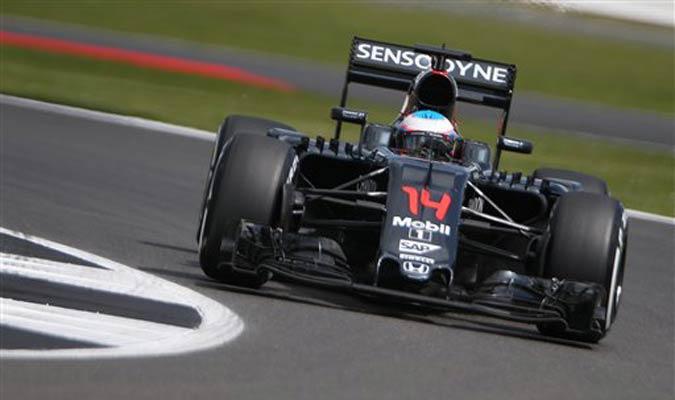 Fernando Alonso confía en llevarse puntos de Silverstone / Foto AP