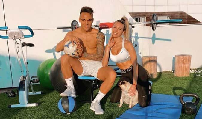 Lautaro Martínez comparte con su novia y su mascota/ Foto Cortesía