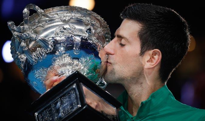 Un idilio es el que vive Djokovic con el Abierto de Australia/ Foto AP