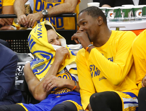 Durant y Curry son los líderes del equipo /Foto AP