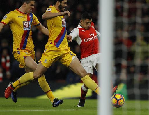 Alexis ataca la banda /Foto AP
