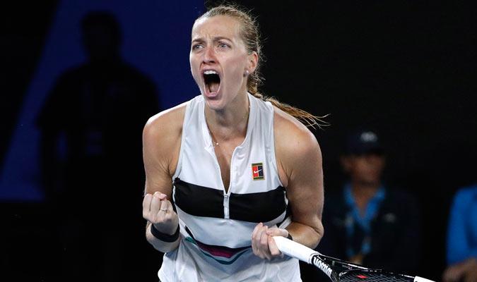 Kvitova celebrando su victoria en el segundo set/ Foto AP