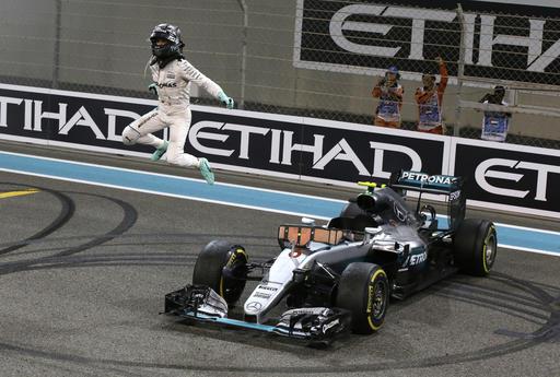 Rosberg no paraba de saltar /Foto AP