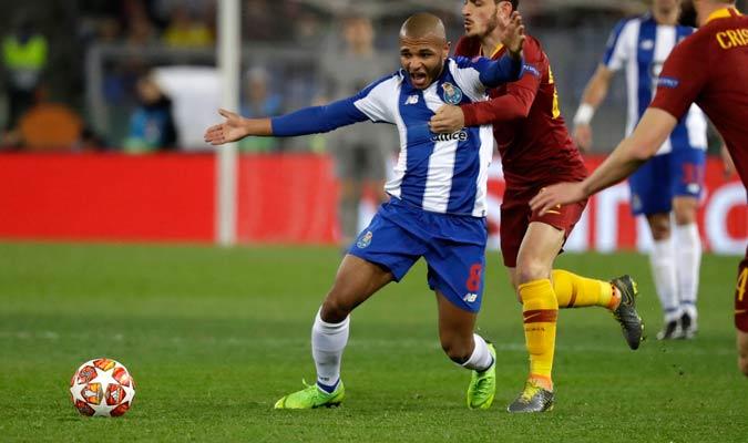 Brahimi fue uno de los que más atacó por parte del Porto/ Foto AP