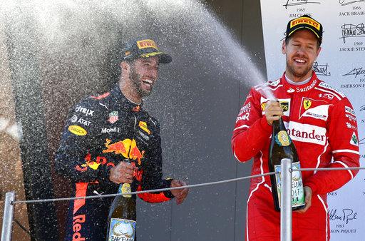Segundo y tercero encontraron razones para celebrar /Foto AP