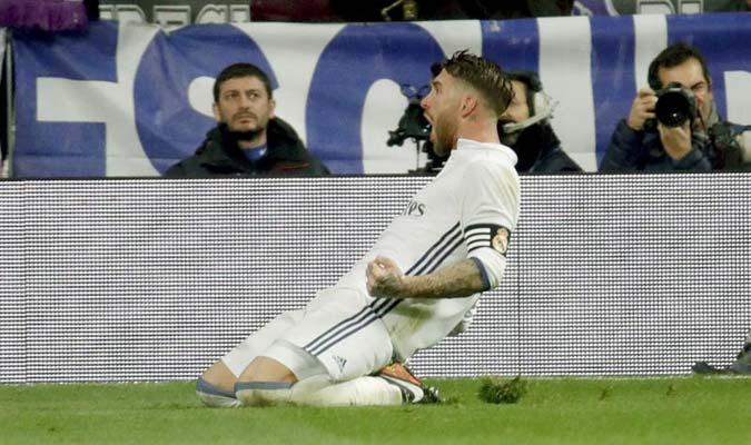 Sergio Ramos se cargó el equipo en la fente, durante el tiempo agregado para mantener el invicto / Foto EFE