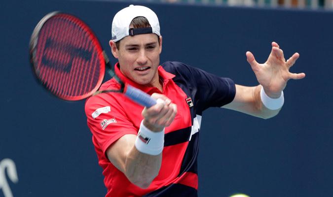 Isner no supo como contrarrestar las embestidas de Federer/ Foto AP