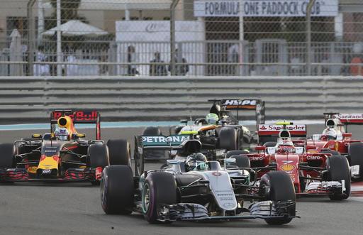 Primera curva de Rosberg /Foto AP
