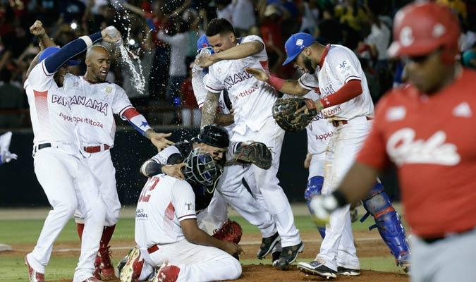 El conjunto panameño celebrando la gran victoria/ Foto AP