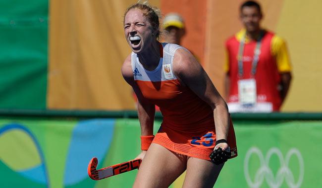 Holanda sigue de pie en el Hockey sobre césped/AP