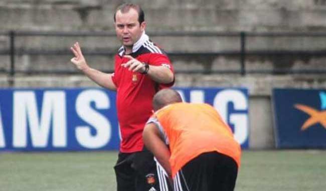 Saragó trabaja con su club
