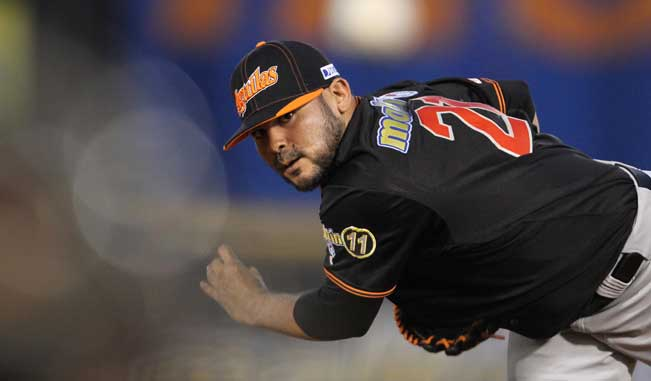 Álex Torres pitcher del Zulia / Foto AVS Photo Report