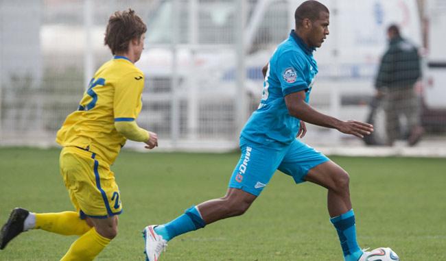 (+VIDEO) Salomón marcó para el Zenit en choque amistoso