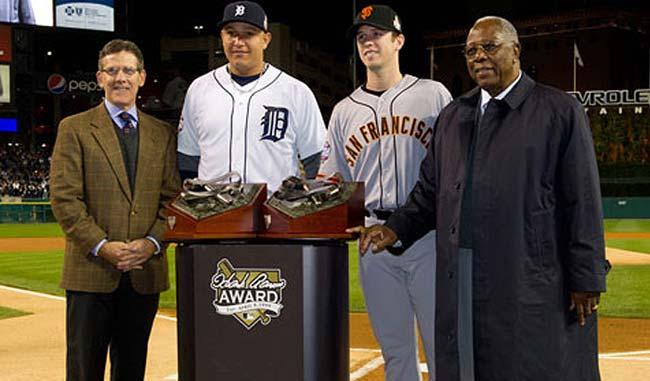 Miguel Cabrera y Buster Posey fueron reconocidos con el Premio Hank Aaron en el 2012