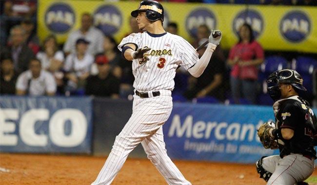 Carlos Rivero impulso la carrera que dejó en el terreno al conjunto crepúscular / Foto Elyxandro C
