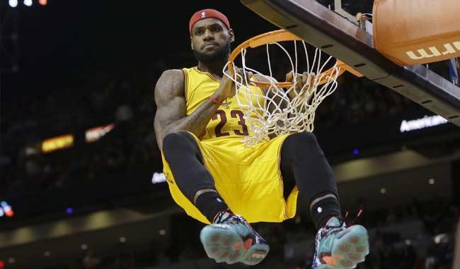 Nike lanza dos nuevos modelos exclusivos para LeBron en homenaje a los 25 mil puntos