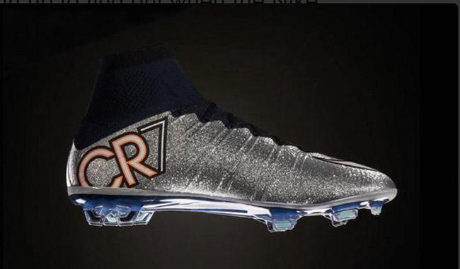 nuevos zapatos de fútbol nike Cristiano Ronaldo - Santillana ... d276589279118